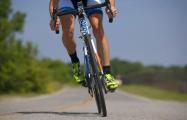 В Ельске велосипедист подрался с инспектором ГАИ