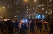 Жители Сухарево прошлись маршем по проезжей части
