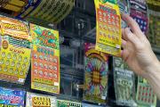 Молодожены из Массачусетса выиграли в лотерею 15 миллионов долларов