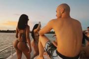 В сети возмутились отдыхом на частном острове с безлимитным сексом и наркотиками