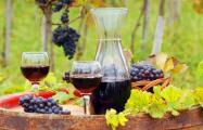 Брестский чиновник захотел украсить свой гараж винами из бременского погреба