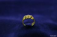 На выставке в Бресте представили уникальное кольцо XIV века