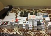 Пограничники задержали крупную партию серых iPhone X и iPhone 8