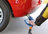 Лукашенко отменил госрегулирование цен на газ для авто