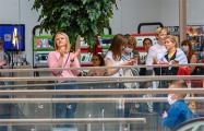 Гродненки спели «Купалінку» в торговом центре
