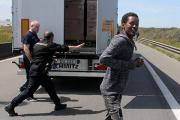 Eurotunnel потребовал от Лондона и Парижа денег за защиту от мигрантов