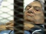 Суд запретил трансляцию процесса над Мубараком