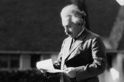 Письма Эйнштейна о Боге и паровозике выставили на продажу