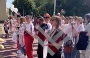«Хватит нам врать!»: белорусы пикетируют здание ОНТ