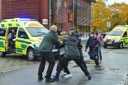 В Швеции скончался напавший на школу с мечом мужчина