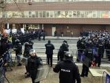 Македонские депутаты забаррикадировались в парламенте
