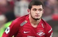 Российский футболист сломал нос американскому туристу
