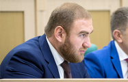 Обвиняемый в двух убийствах член Совфеда РФ потребовал переводчика с русского