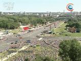 Анекдот: на парад пришел посмотреть один миллиард человек