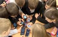 Учителя: Какое мы имеем право забирать телефоны?