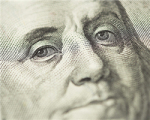 Доллар преодолел психологический рубеж, рубль РФ стремительно падает