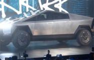 Илон Маск продемонстрировал мощность пикапа Tesla