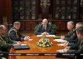Лукашенко велел допустить мать погибшего в Печах солдата к следственным действиям