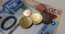 Белорусский рубль упал ко всем валютам