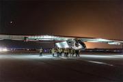 У самолета на солнечных батареях возникли проблемы из-за непогоды