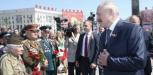 Лукашенко пообещал ветеранам выплаты ко Дню Победы
