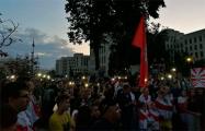 Участники митинга на площади Независимости призвали минчан собираться вечером каждый день