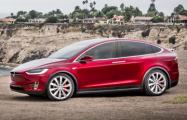 Tesla показала в действии свой новый автопилот