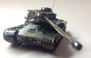Витебский ювелир сделал серебряный танк с бриллиантами