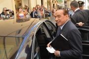 Берлускони отказался уходить из политики