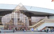 На минском вокзале вместо Стаса Михайлова теперь крутят «Песняроў» и «Сяброў»