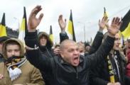 Возле парламента Крыма начались столкновения с пророссийскими силами