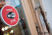 Минкомсвязи разъяснило изменения правил пользования публичным Wi-Fi
