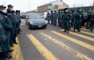 В Армении оппозиция попыталась помешать Пашиняну вылететь на встречу по Карабаху
