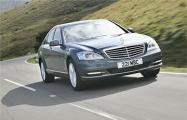 В Светлогорске «покупатель» уехал на Mercedes во время тест-драйва