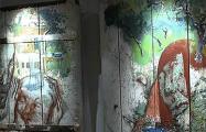 В Минске открылась выставка картин на старых досках