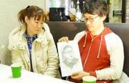 Мать японского художника Йошида: Первый раз за полтора года обняла сына