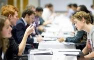 Минские вузы продолжают «штамповать» юристов и экономистов
