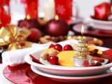 Дизайнеры советуют, как празднично украсить стол в Новый год (Фото)