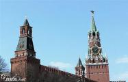 Башни Кремля трещат