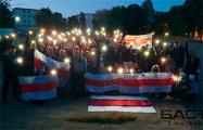 В районе станции метро «Пушкинская» минчане зажгли почти 100 фонариков свободы