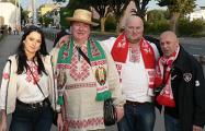 Белорусы в Люксембурге болеют за сборную под бело-красно-белыми флагами