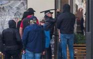 Глава ГУБОПиК Николай Карпенков лично бил стекло в минском кафе