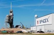 SpaceX сформировала первый в истории коммерческий экипаж космического корабля