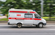 В Островецком районе мужчину на предприятии насквозь пробило доской