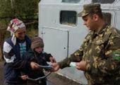 Украинцам разрешили собирать клюкву в Беларуси
